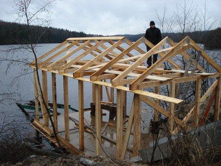 Построить гараж из досок