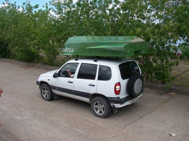 лодка пвх на багажнике нивы шевроле