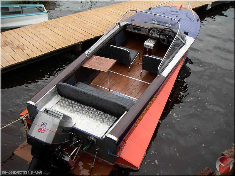 из чего делают моторные лодки