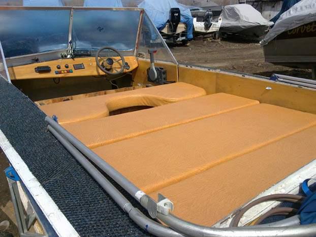 сиденье лодочное с рундуком