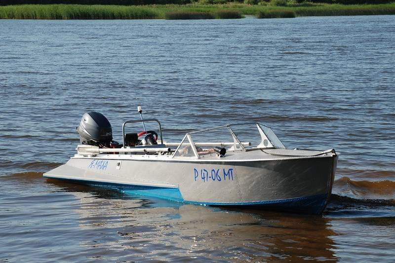 выбор небольшой лодки