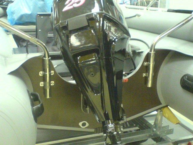 Как крепить лодочный мотор при перевозке