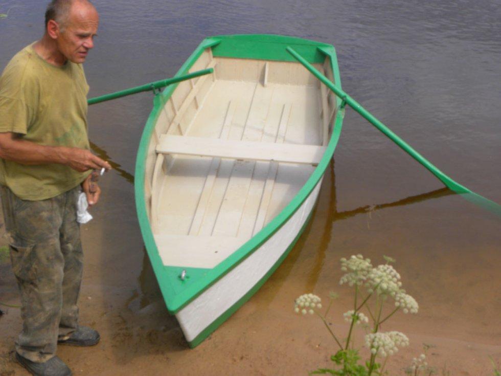 продам лодку фанерную
