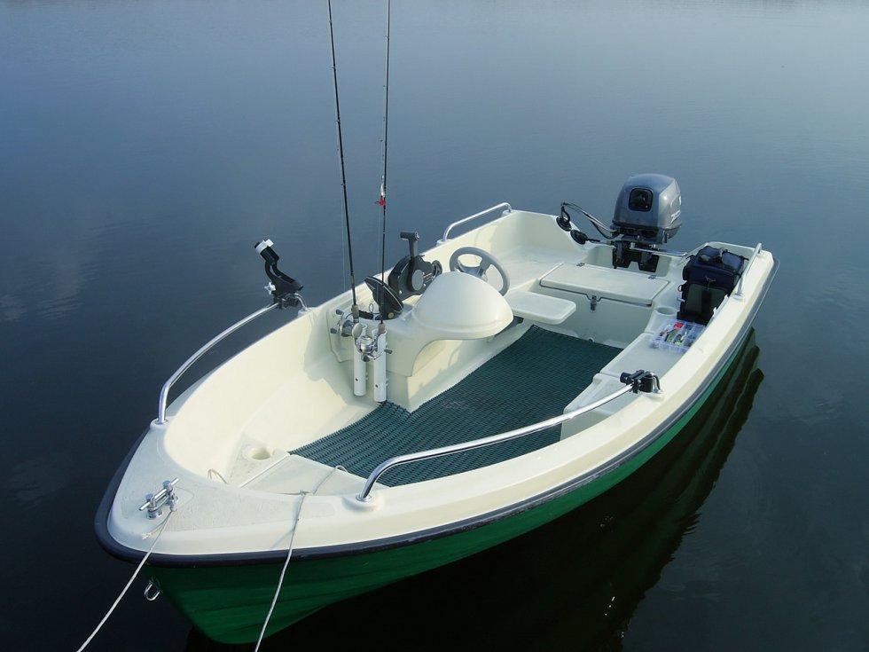 пластиковая моторная лодка 4 метра с высоким бортом