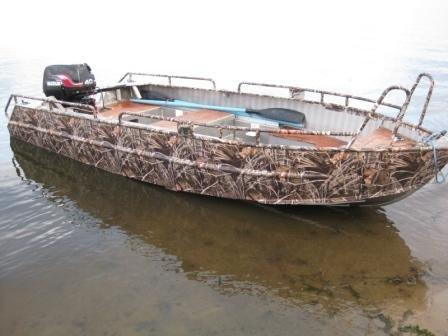 лодка в дубках