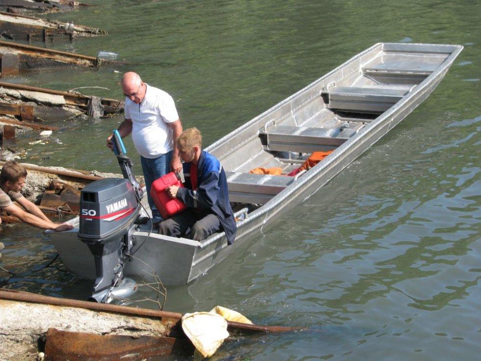 установка навесного водомета на лодку