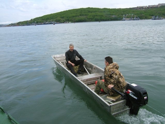деревянная плоскодонная лодка для мелководья