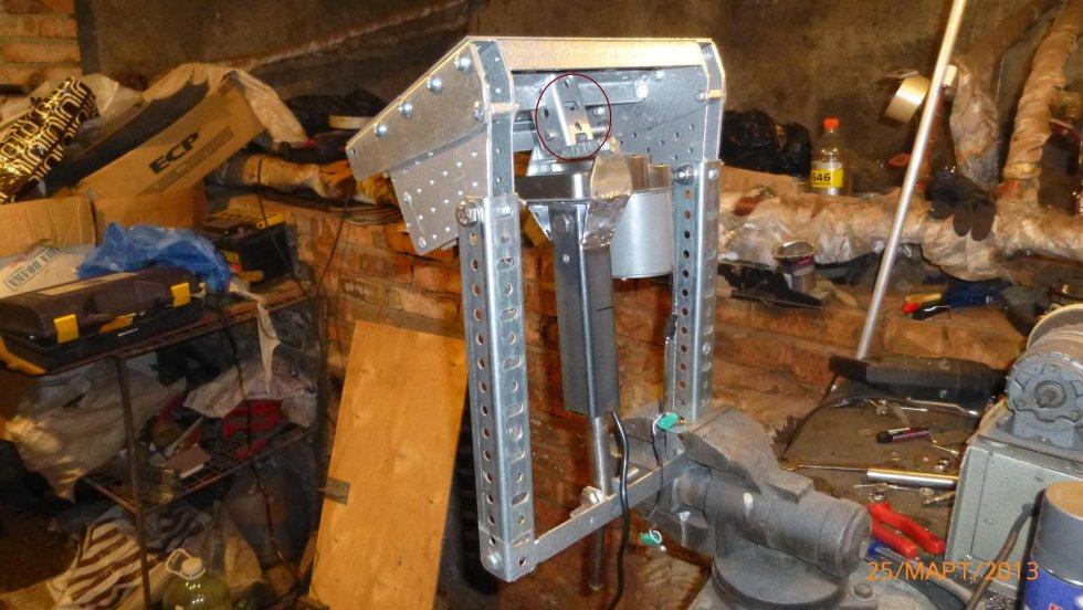 Гидроподъёмник для лодочного мотора