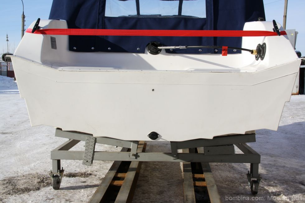 моторные лодки на гидролыжей