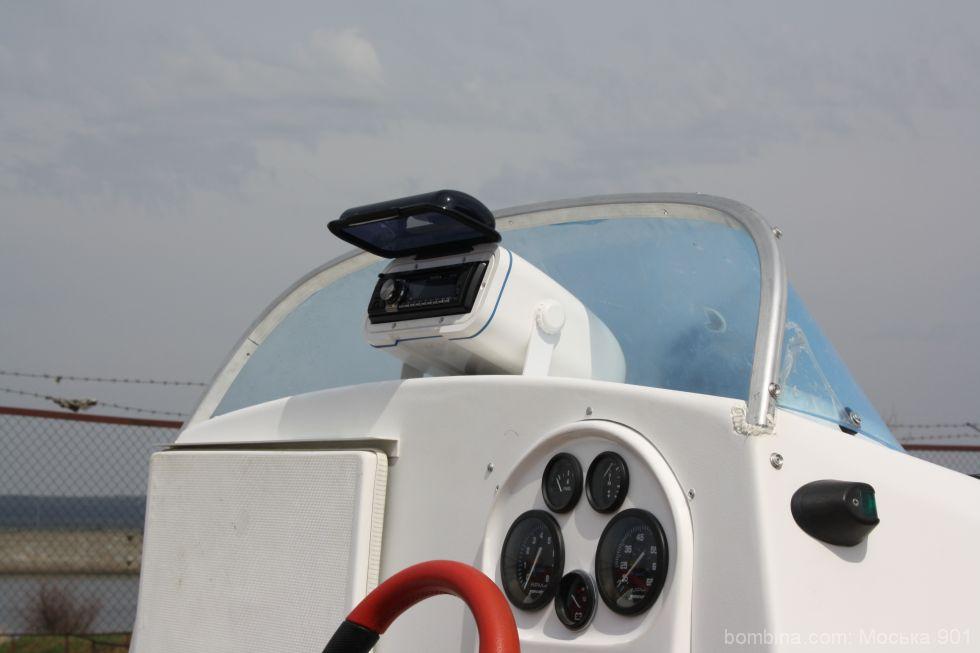 бокс под магнитолу в лодку