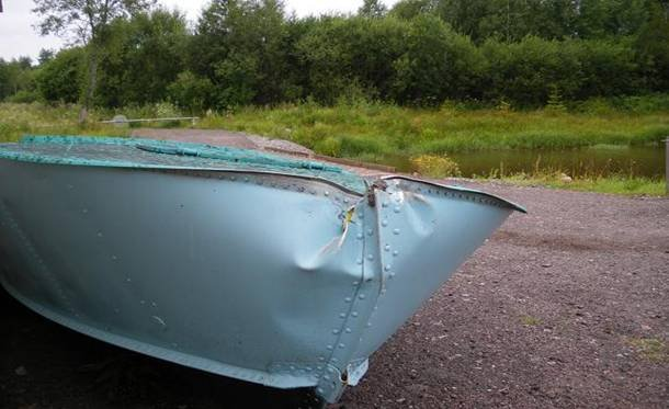 как замазать лодку
