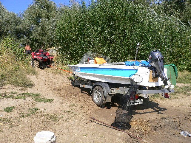 мотоблок для перевозки лодки