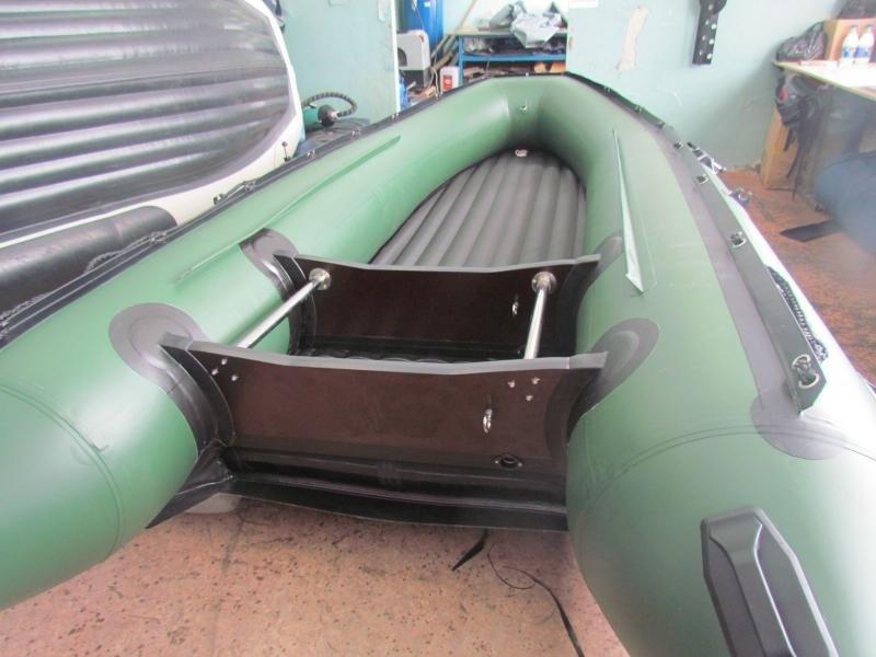 как наклеить на пвх лодку накладки