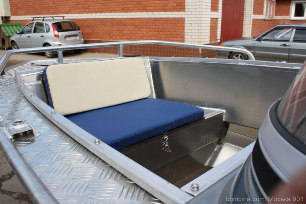 мягкие кресла на лодку