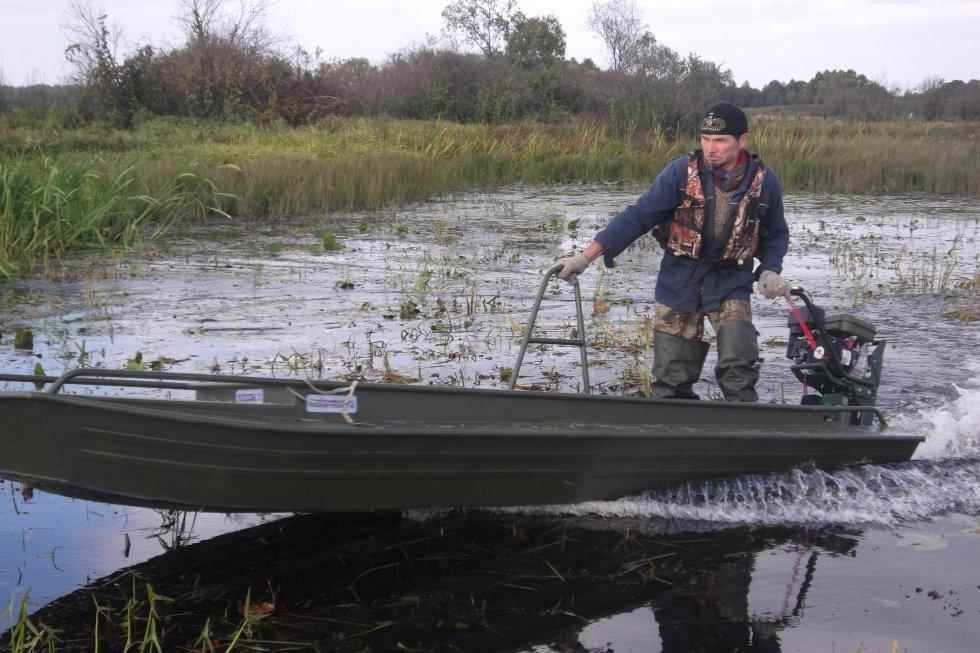 строим лодку болотоход