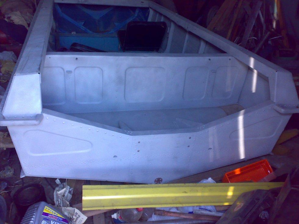 покраска дна лодки