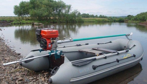 лодочные моторы перевести на английский