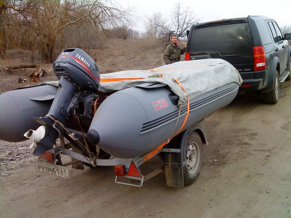 перевозка лодочных моторов в автомобиле