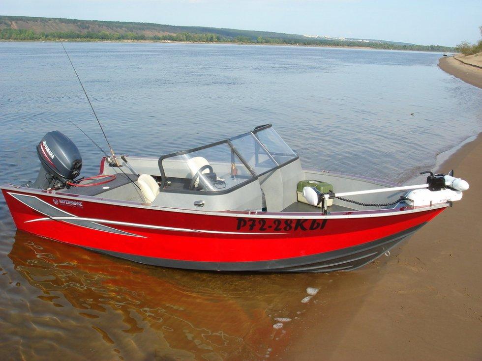 купить лодку с рук в пскове на
