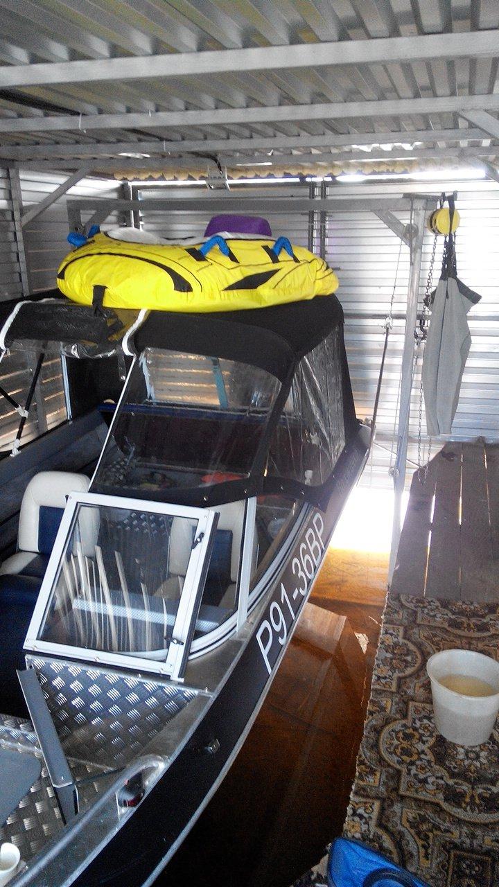 подъемники для лодки катера