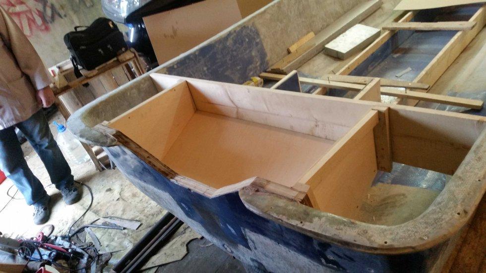 чем клеить фанерную лодку