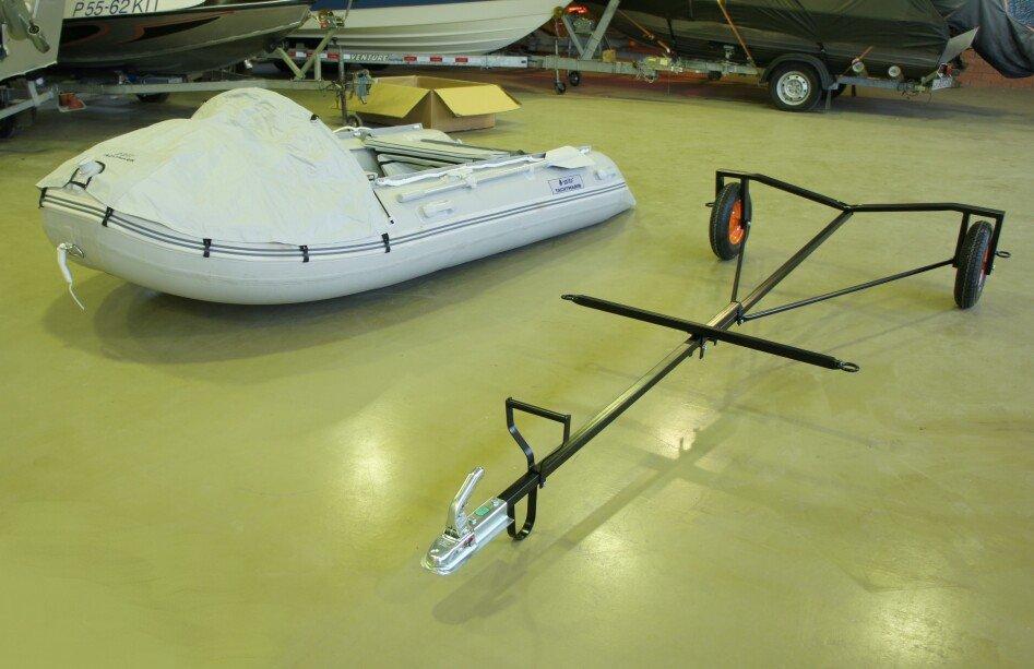 прицеп для лодки пластиковой лодки