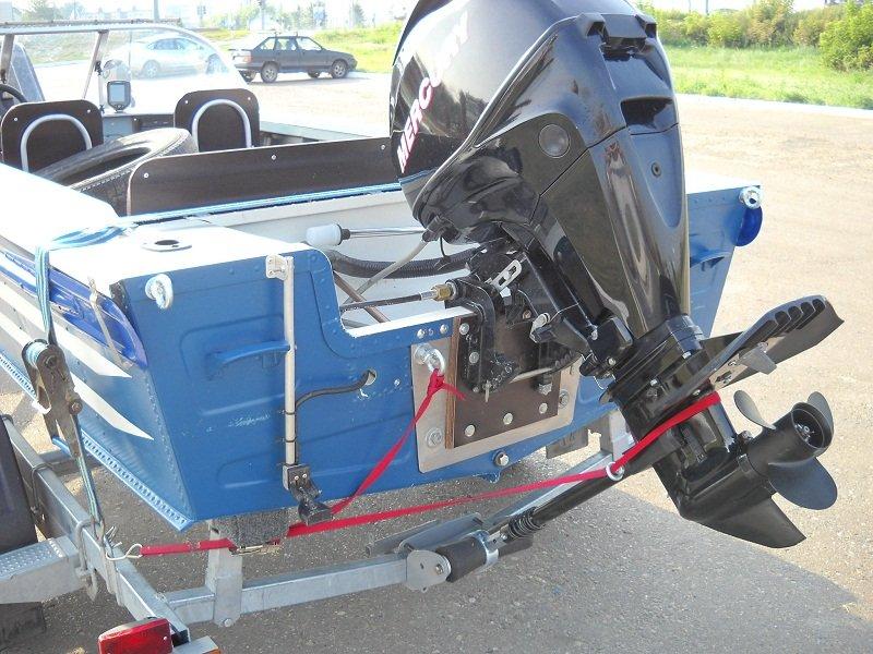 упор для транспортировки лодочных моторов