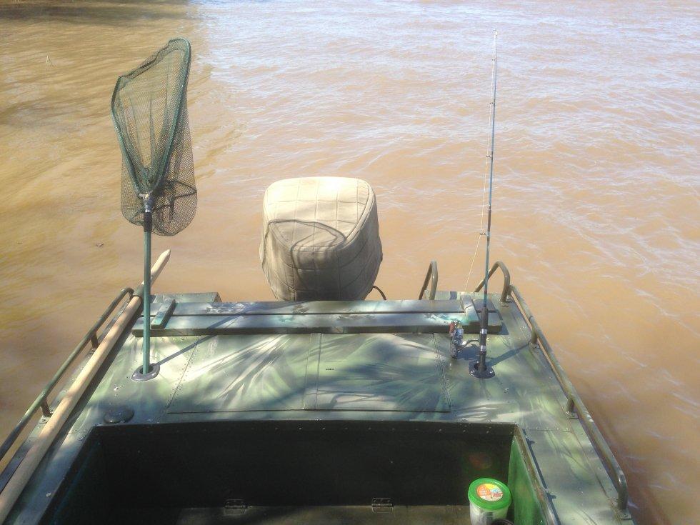 рыболовную лодку купить в омске
