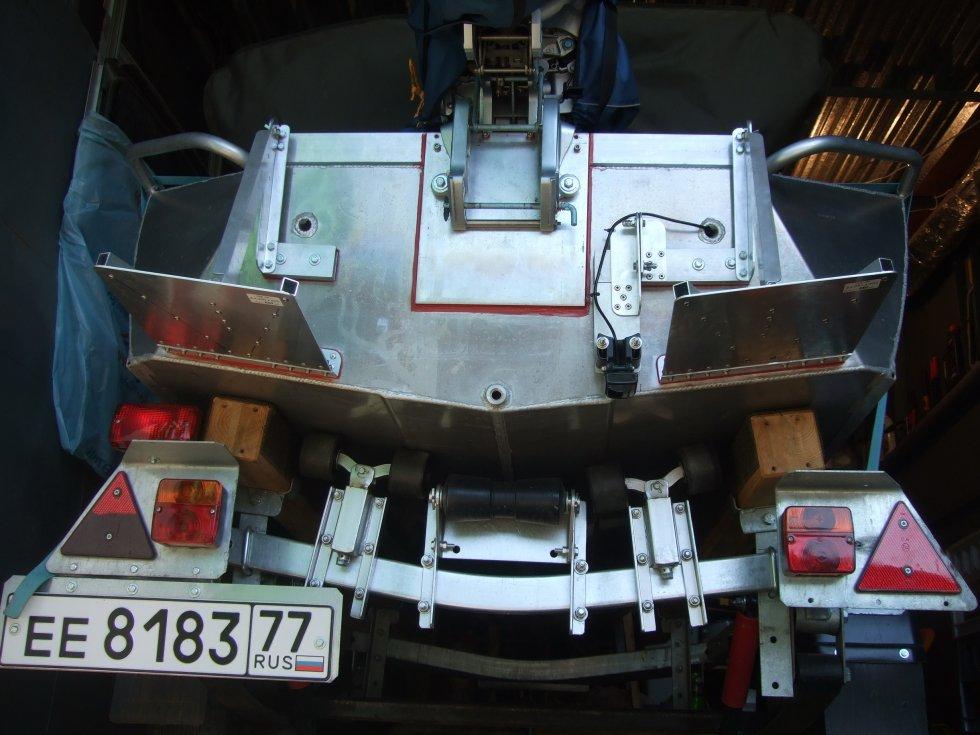 как установить датчик эхолота на алюминиевую лодку