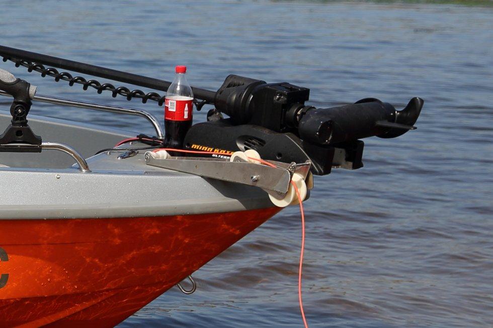 Электрический якорь на лодку