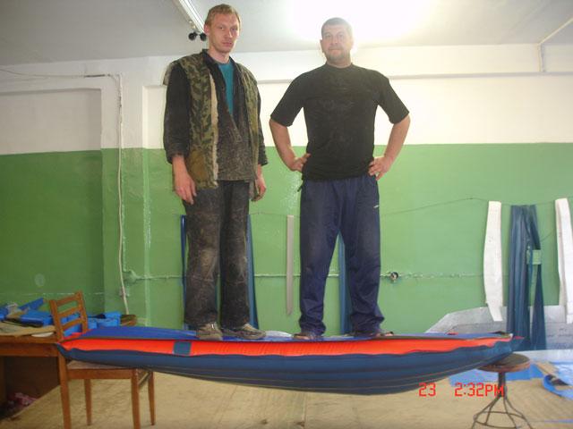 Можно ли стоять на дне надувной лодки