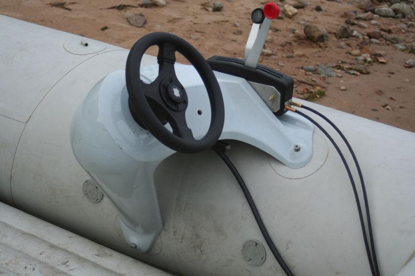 Рулевая консоль в лодку