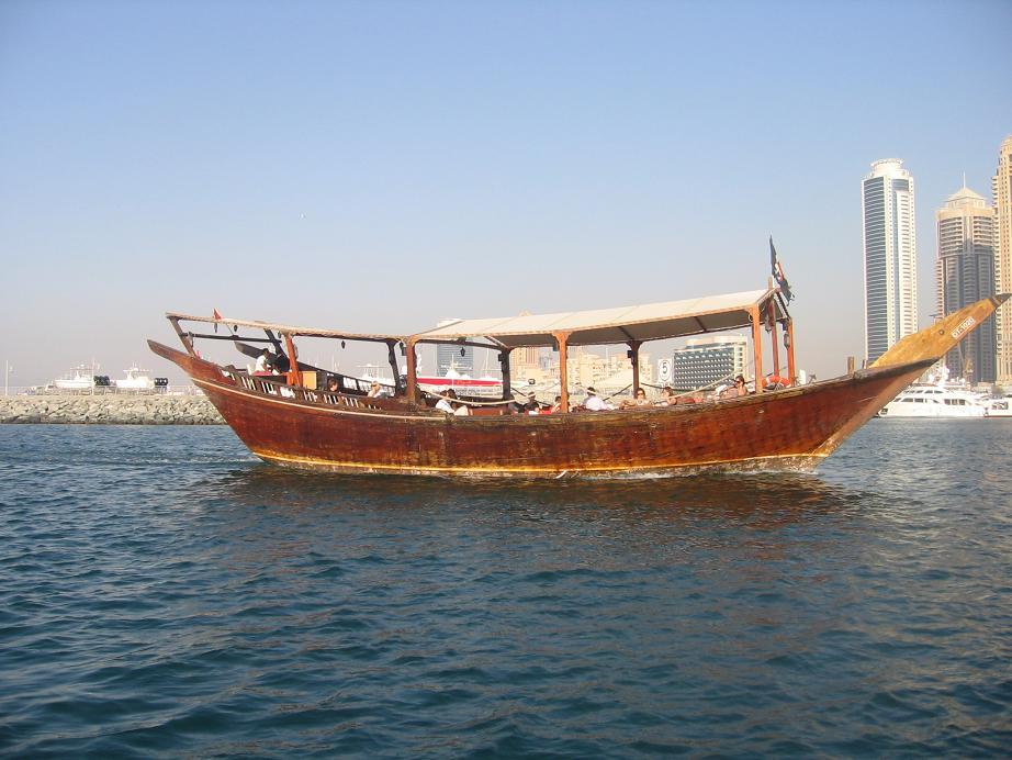 арабские лодки для экскурсии
