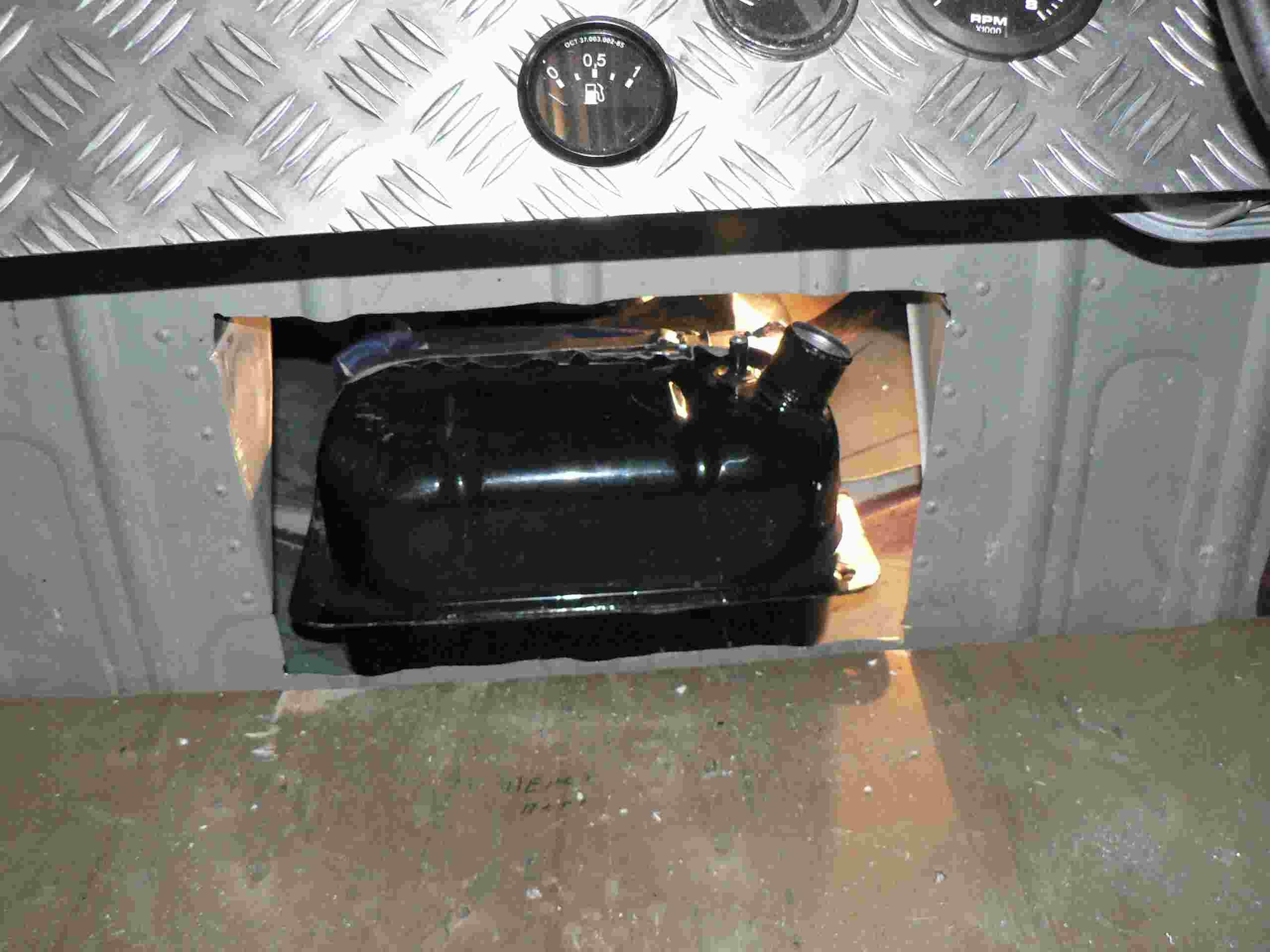 Как отремонтировать топливный бак. Ремонт бензобака 46