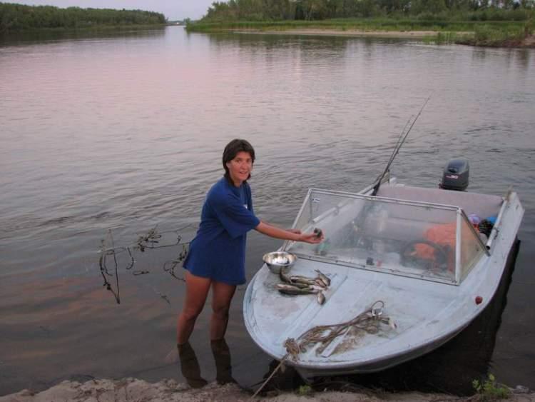 рыболовный катер в саратове