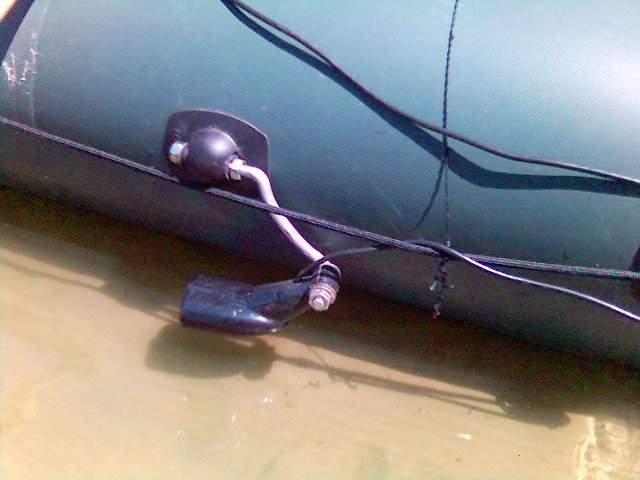 установка датчика эхолота на лодку пвх