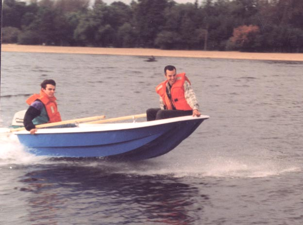гребная лодка шарк-400