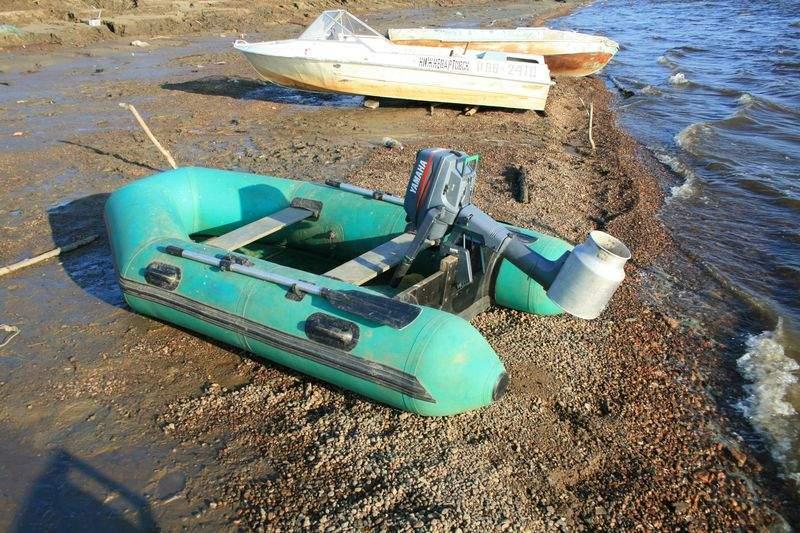 как называется спортивная лодка с мотором