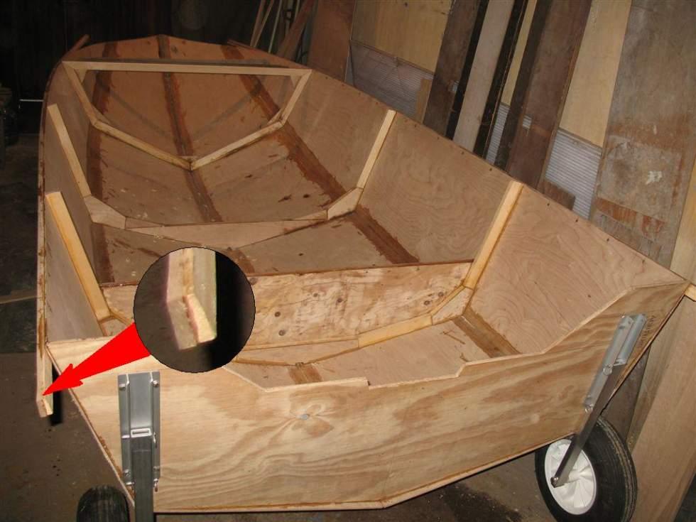 Лодка из деревянного бруса в украине