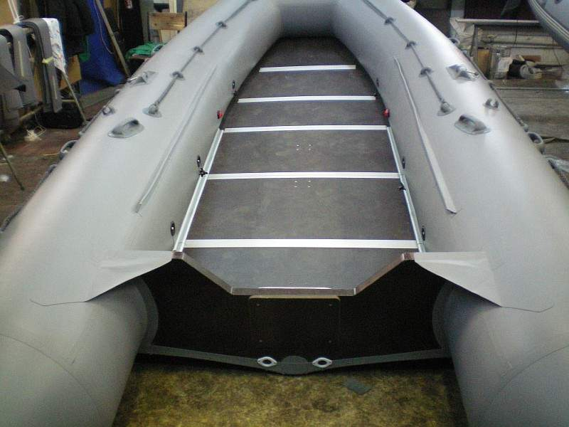 стрингер по всей длине лодки пвх