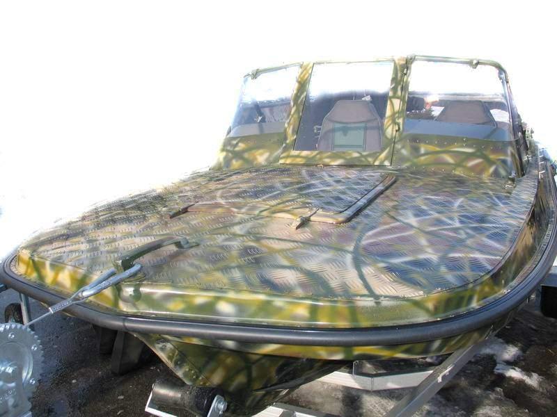 видео как покрасить лодку в камуфляж