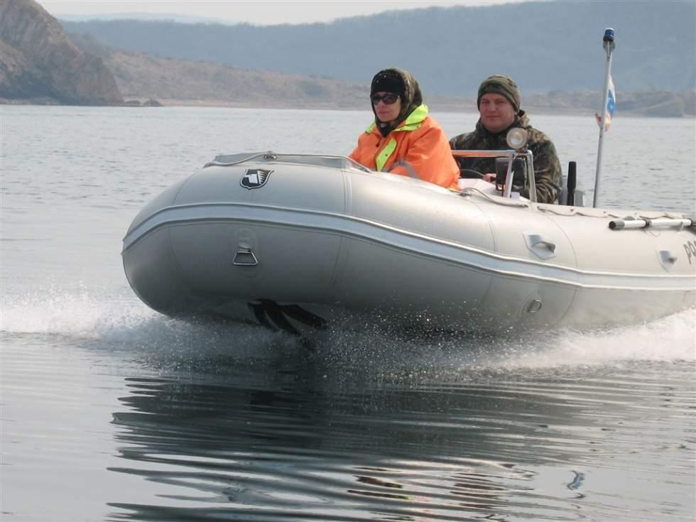 как приклеить редан на лодку пвх