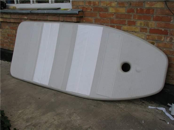 чем отмыть лодку пвх белого цвета