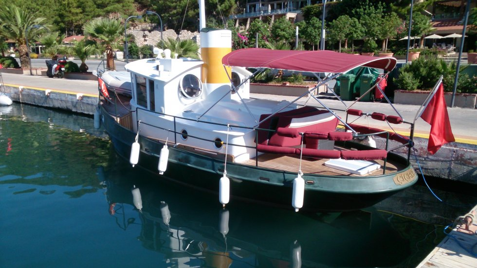 фото гулянок лодок свернулся калачиком